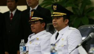 pelantikan walikota - vivanews